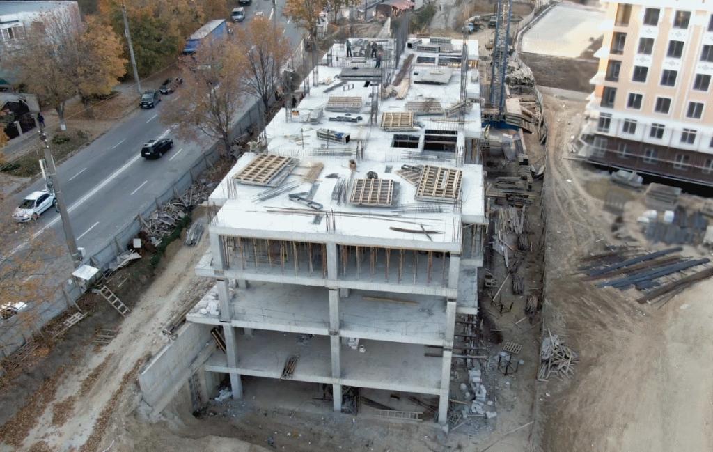 18.10.2018. Santier complexul locativ Deleanu, apartamente noi de la 444 euro/m2